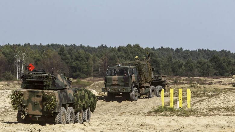 Żołnierze 12. Szczecińskiej Dywizji Zmechanizowanej ćwiczyli pod okiem ministra Mariusza Błaszczaka na poligonie w Nowej Dębie.