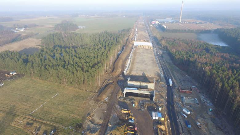 W naszym regionie trwają prace w ramach realizacji drogi ekspresowej S6. Prezentujemy Państwu najnowsze zdjęcia z prac prowadzonych przy obwodnicy Koszalina