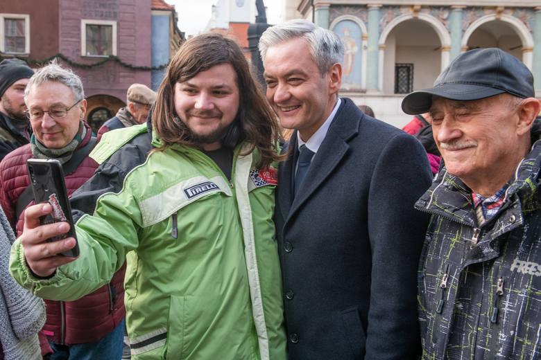 Robert Biedroń odwiedził Wielkopolskę w piątek i sobotę, 21 i 22 lutego. - Dzisiaj scenariusz z porażką Andrzeja Dudy jest bardzo realny. Sondaże jego