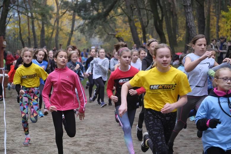 Młodzież pobiegła z okazji Dnia Niepodległości (ZDJĘCIA)