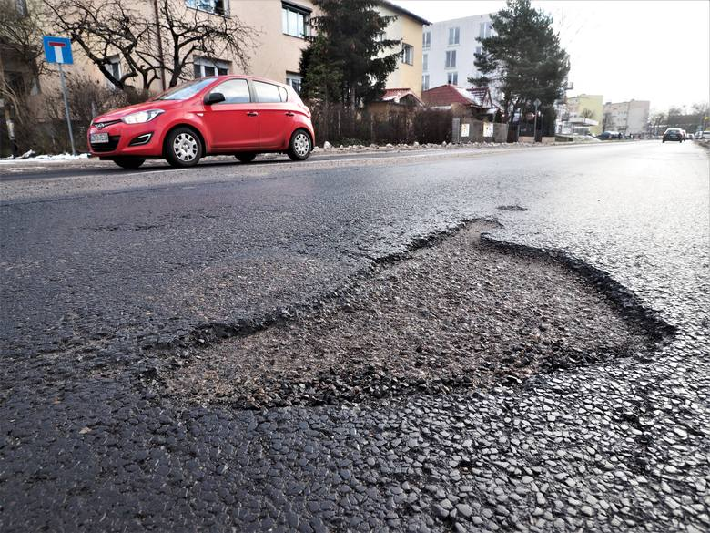 Drogi w Koszalinie wymagają pilnego remontu.