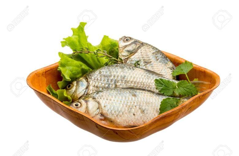 Ze względu na zawartość tłuszczu ryby można podzielić na ryby chude - zawartość tłuszczu nie przekracza 5% (np. dorsz, okoń, sandacz, szczupak) i ryby