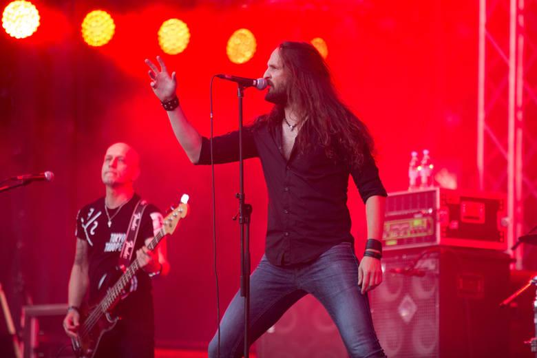 X festiwal legend rocka - Koncert zespołu Turbo: Tomasz Struszczyk – wokal, Wojciech Hoffmann – gitara prowadząca (27.07.2016 Dolina Charlotty)
