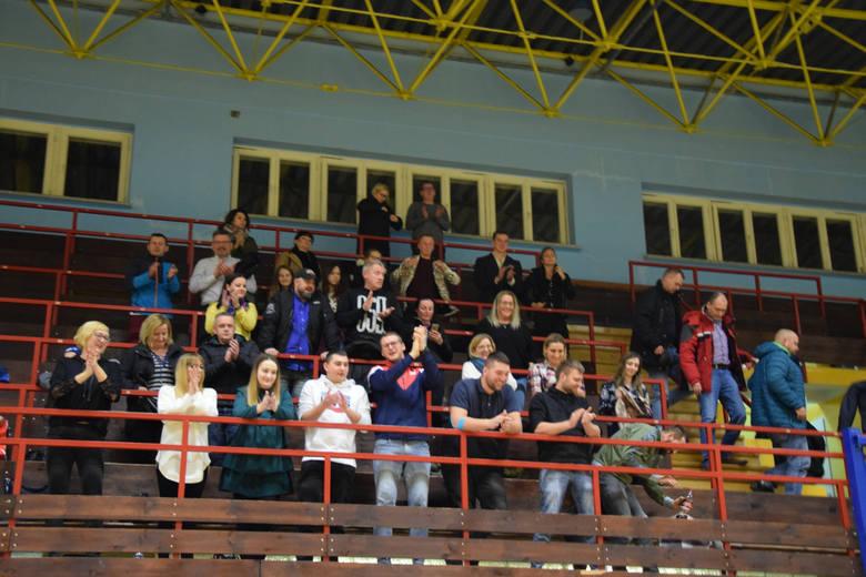 W sobotę, 15 grudnia, w trzynastej kolejce TS Zew Świebodzin gościł przed własną widownią ostatnią drużynę w tabeli II ligi piłki ręcznej mężczyzn w