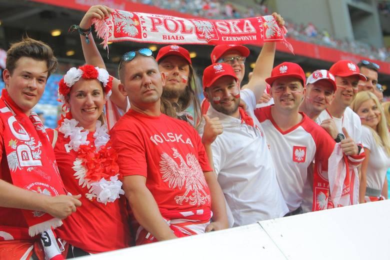 Ponad 41 tysięcy widzów oglądało w piątek towarzyski mecz Polska - Chile w Poznaniu. Byliście na tym spotkaniu? Znajdźcie się na zdjęciach!---->przejdź
