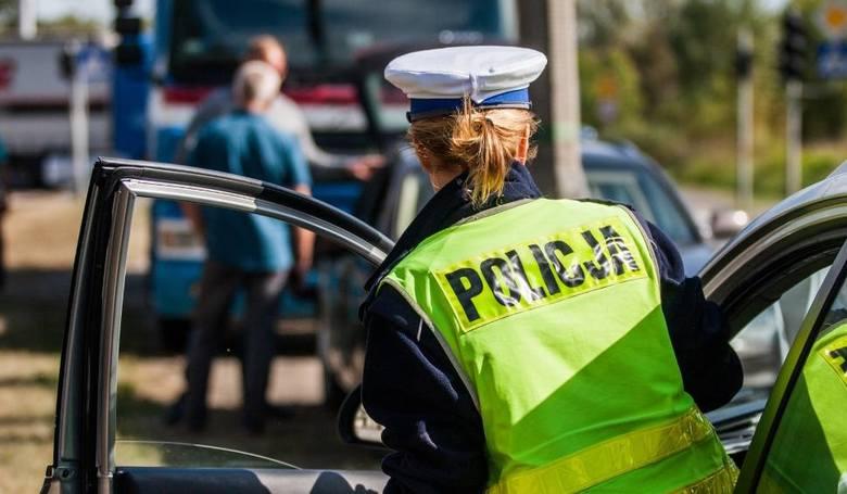 Groźny wypadek na drodze krajowej nr 5, przed wjazdem na autostradę A1 w Nowych Marzach w powiecie świeckim. Zderzyły się tam dwa samochody osobowe.Czytaj