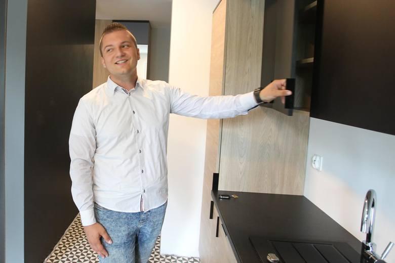 """Zwycięzca wielkiej loterii """"Nowin"""" po raz pierwszy zobaczył swoje mieszkanie"""