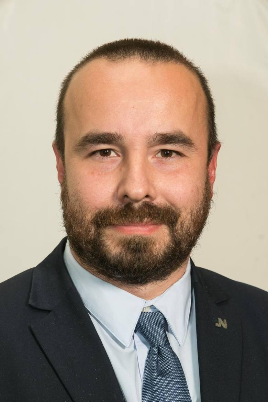 Artur Buszek (Koalicja Obywatelska) Oszczędności: 4500 złNieruchomości: mieszkanie 71 mkw, 375 tys. zł; mieszkanie żony 48 mkw, 275 tys. zł;Zarobki: