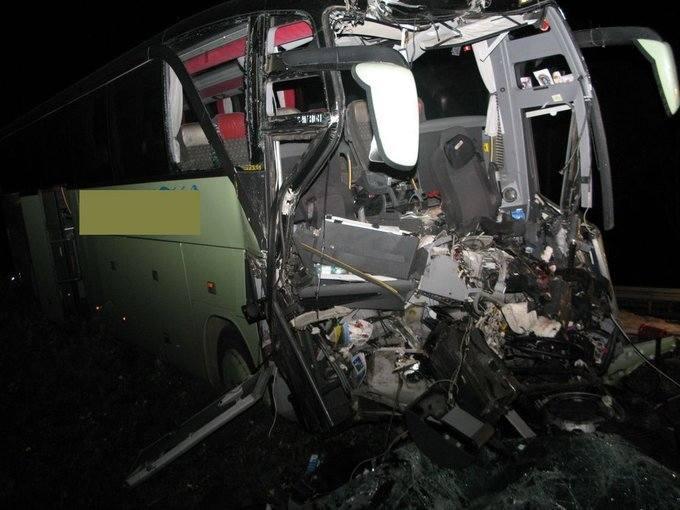 Tragedia na drodze. Zginął kierowca autobusu