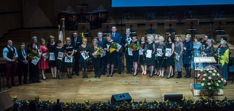W poniedziałkowy wieczór w Filharmonii Koszalińskiej odbyło się Spotkanie Noworoczne Prezydenta Koszalina, podczas którego wręczono Koszalińskie Orły.Wyróżnieni:KATEGORIA