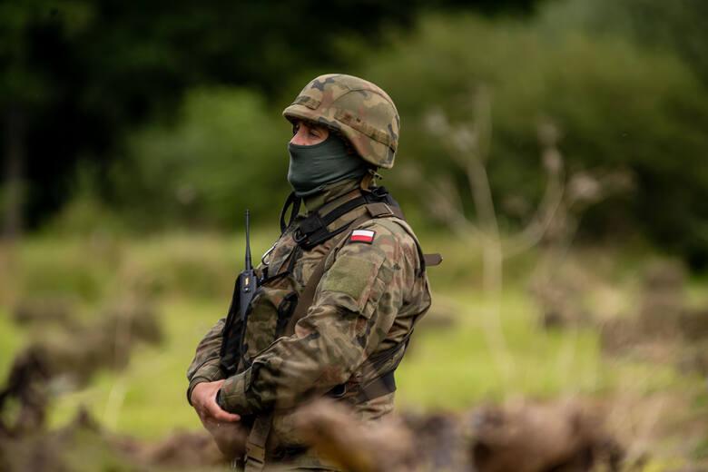 """Stan wyjątkowy na granicy z Białorusią. """"Wojna hybrydowa usprawiedliwia dehumanizację uchodźców i nieludzkie traktowanie"""""""