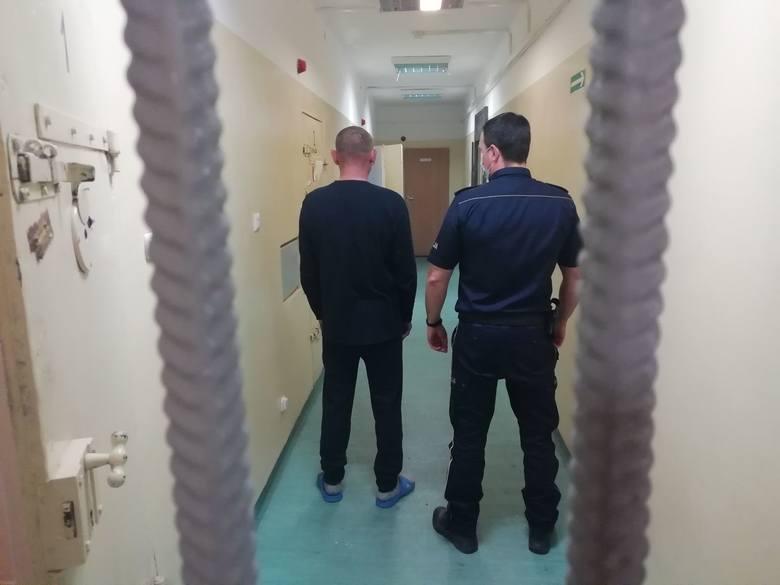 46-latek trafił do policyjnego aresztu.