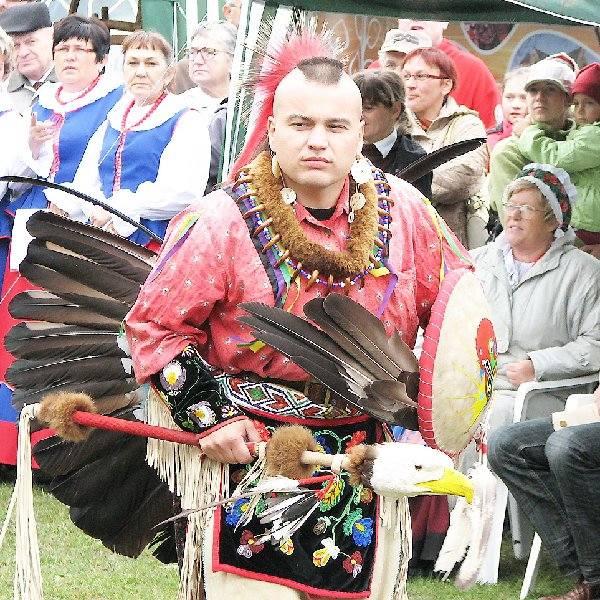 Z pewnością dla wielu dużym zaskoczeniem była obecność na dożynkach Indian, a dokładniej indianistów z Torunia