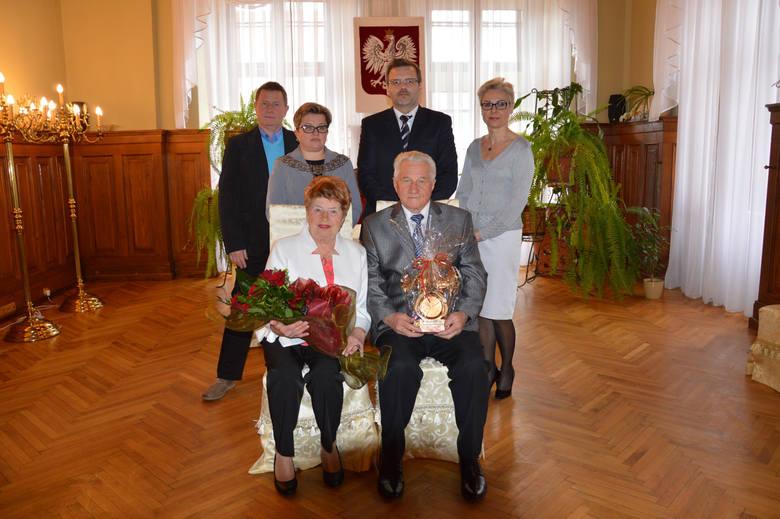 Kierownik Urzędu Stanu Cywilnego gościła wyjątkowych Jubilatów - Irenę i Józefa Roszyków