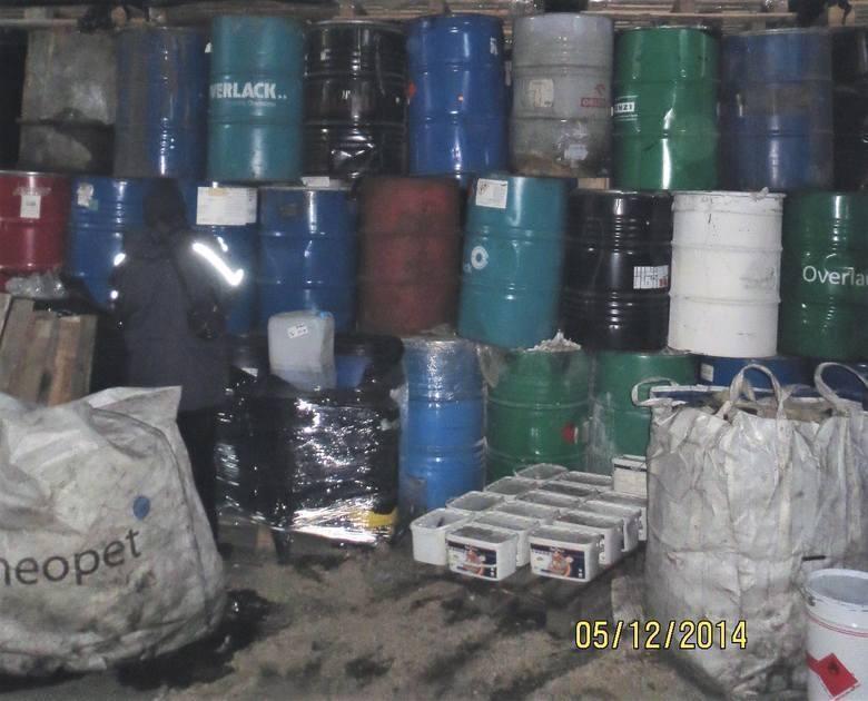 Zielona Góra. Hala toksycznymi odpadami wciąż zagraża mieszkańcom! Czy kolejny przetarg to zmieni?