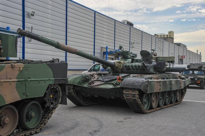 Już we wtorek w Targach Kielce startuje Międzynarodowy Salonu Przemysłu Obronnego. Pierwsze czołgi, transportery i śmigłowce ją dotarły. Na miejscu jest
