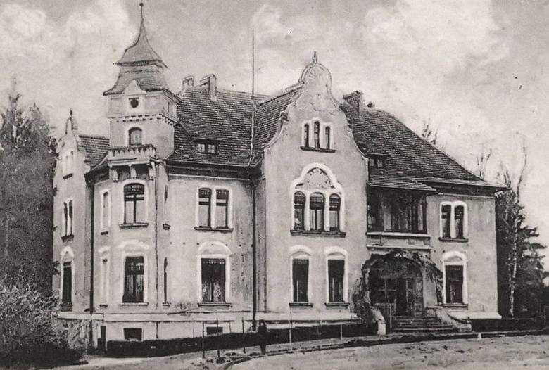 Pałac w Kozłowicach w 1920 roku.