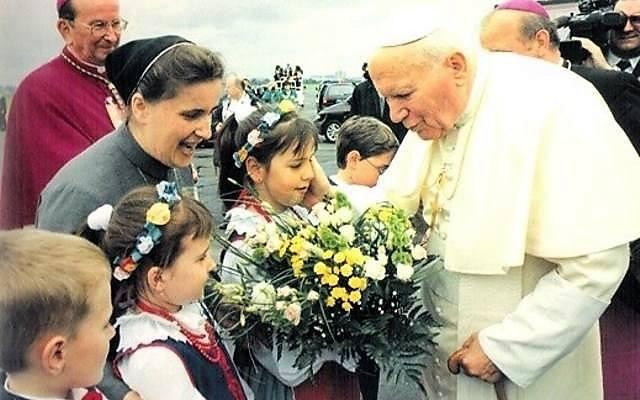 """""""Żegnaj, Bydgoszczy, bo Toruń czeka"""". Papież odwiedził Kujawy i Pomorze. Dokładnie 20 lat temu"""