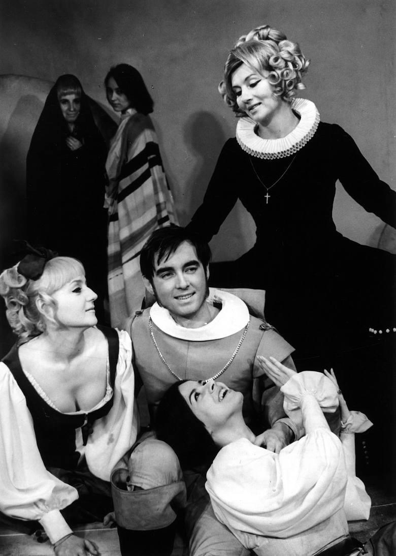 Zagrał m.in. rolę tytułową w DON JUANIE Molièra w reżyserii Piotra Paradowskiego (1969)