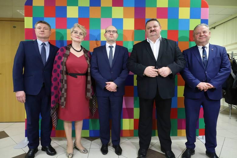 Oto nowy zarząd województwa podlaskiego. Od lewej: Marek Malinowski to prawnik, kiedyś radny powiatu bielskiego. Teraz związany jest z biurem ARiMR w