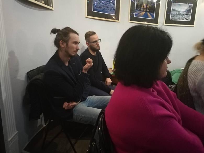 Spotkania Klubu Zasadniczo-Dyskusyjnego organizowane są w Wejściówce