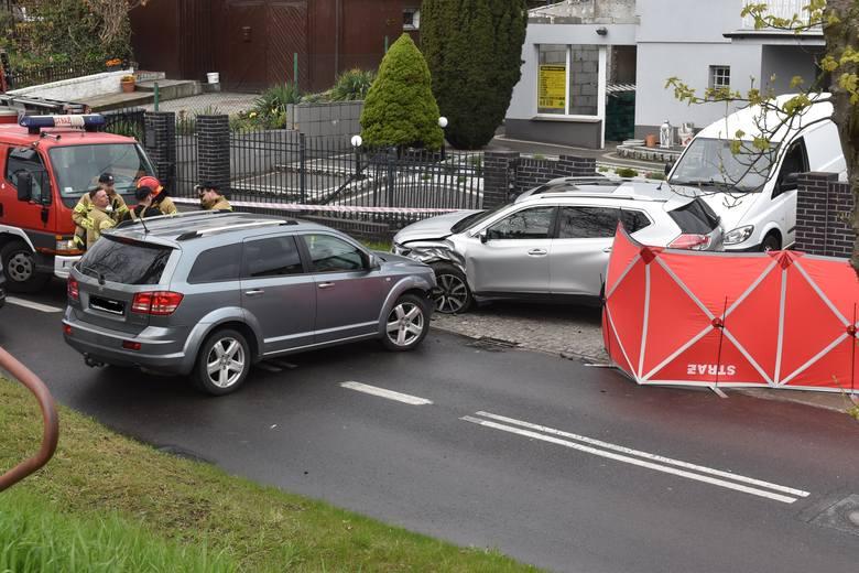 Śmiertelny wypadek. Mężczyzna wkładał dzieci do auta i został potrącony