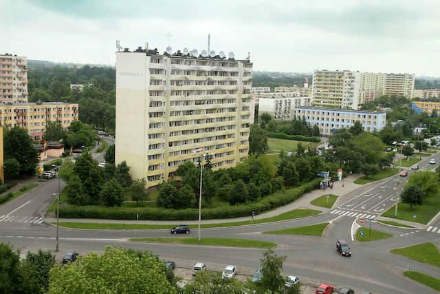 Czy ceny mieszkań z wielkiej płyty w Toruniu są o wiele niższe niż w budynkach z cegły? Sprawdź, gdzie najwięcej zapłacisz za mieszkanie z wielkiej płyty