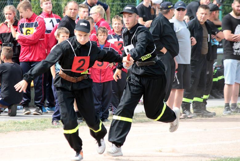 Na boisku sportowym w Małym Rudniku odbyły się Powiatowe Zawody Pożarnicze. Druhny i druhowie z jednostek OSP z terenu powiatu grudziądzkiego wyłonionych