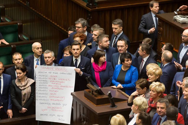 Joanna Mucha: Protest na sali obrad bardzo zbliżył opozycję, to kiedyś zaprocentuje