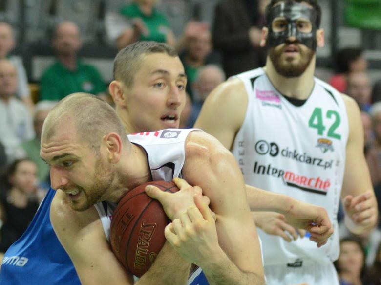 Vlad Moldoveanu (z piłką) zdobył dla Stelmetu BC Zielona Góra 8 punktów i dołożył 6 zbiórek.