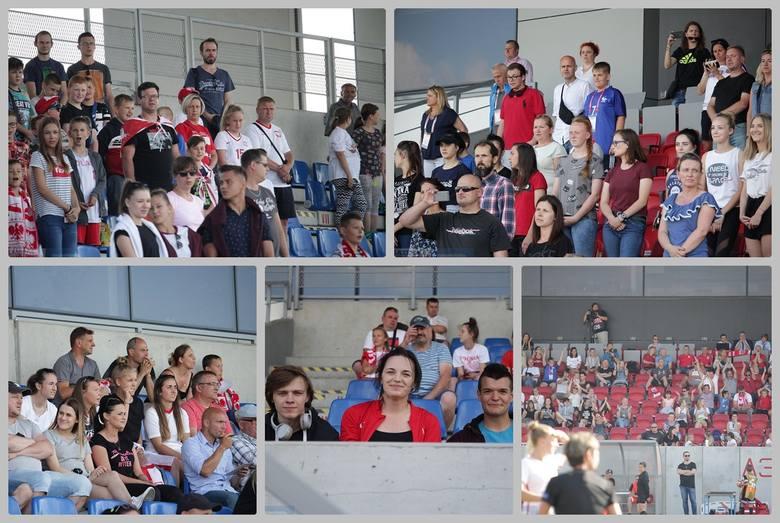 Na stadionie OSiR we Włocławku w eliminacjach do mistrzostw Europy kobiet U19 zmierzyły się drużyny Polski i Norwegii. Zobacz, jak kibice we Włocławku