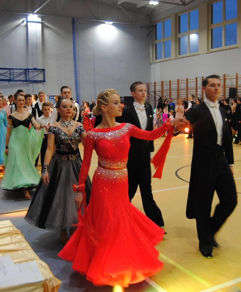 - Już po raz ósmy jesteśmy organizatorami Ogólnopolskiego Turnieju Tańca Towarzyskiego o Puchar Burmistrza Skwierzyny. Z roku na rok poziom turnieju