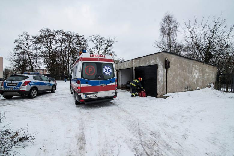 Do zatrucia spalinami samochodowymi doszło w ubiegłą sobotę w zamkniętym garażu na osiedlu Solidarności w Rawie Mazowieckiej. Dwie osoby zostały odwiezione do szpitala.