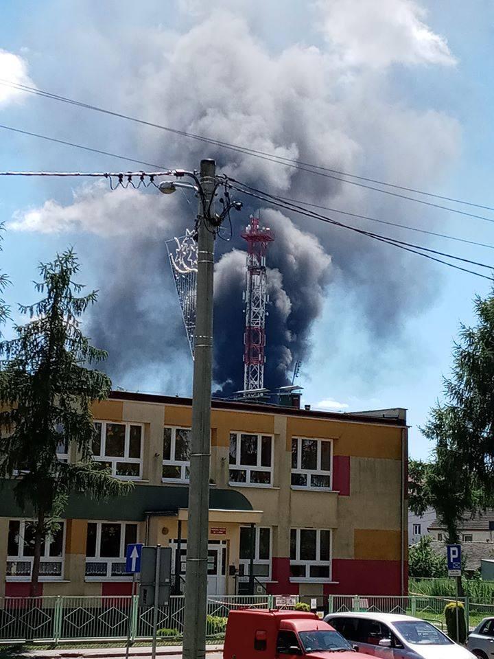 Pożar w Ozimku w zakładzie przy ulicy Kolejowej