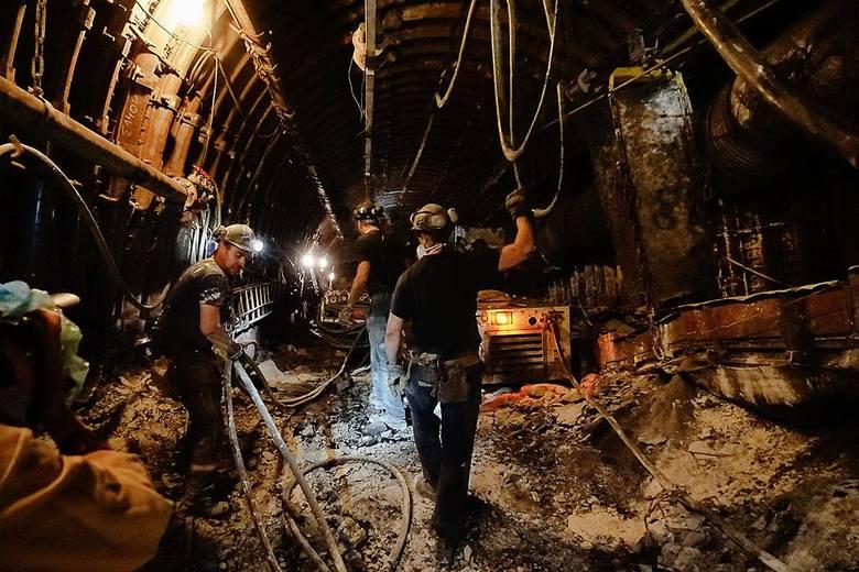 Kopalnia Bogdanka. Górnicy na tzw. przodku