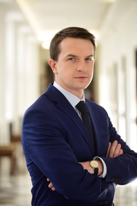 Adam Szłapka, poseł Nowoczesnej i Koalicji Obywatelskiej, nie ma wątpliwości, że opozycja musi postawić na ciężką pracę, żeby przekonać do siebie Po