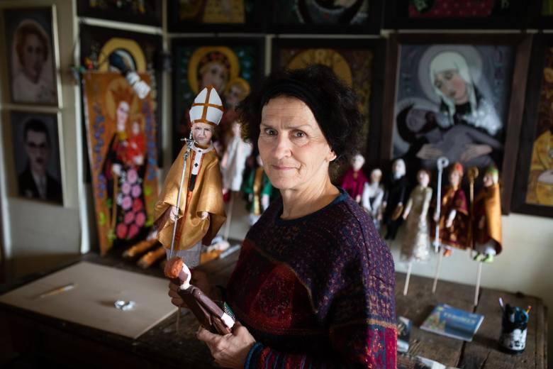 Anna Malik z domu Gertych (urodzona w 1951 roku) - rzeźbiarka i malarka