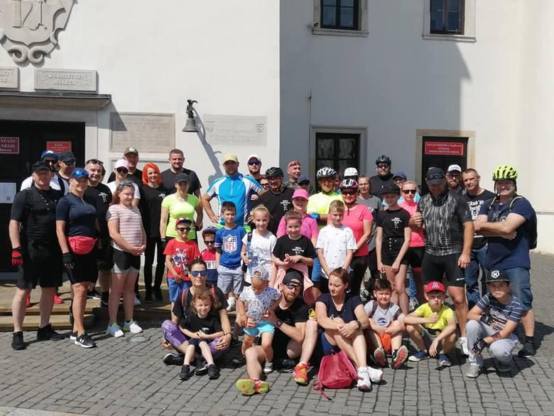 Członkowie Ekipy Lodowcowej odbyli rajd rowerowy.