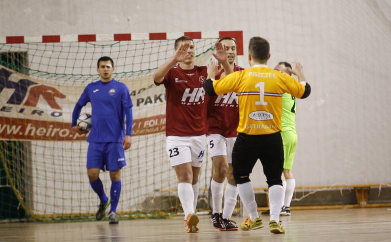 Ostatni raz w lidze Heiro Rzeszów i Stal Mielec mierzyły się w sezonie 2015/2016. Wtedy dwukrotnie lepsi byli rzeszowianie
