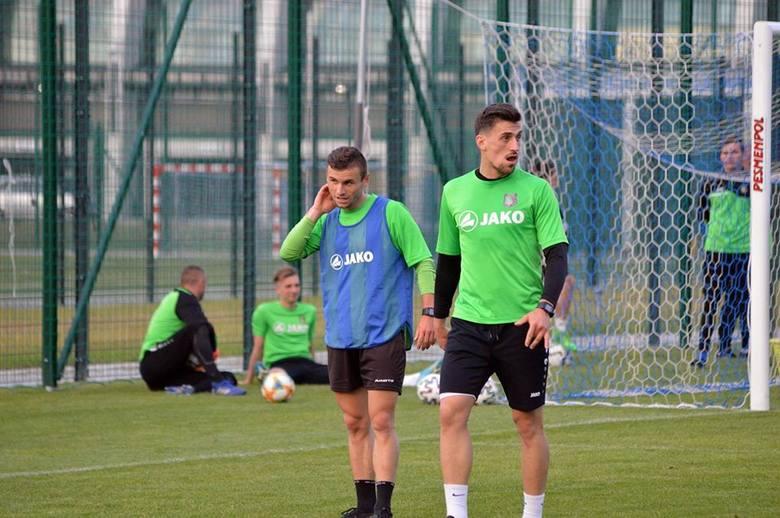 Piłkarze Stali Stalowa Wola intensywnie pracują nad powrotem do gry ligowej. Już za około półtora tygodnia zielono-czarni rozegrają swój pierwszy mecz
