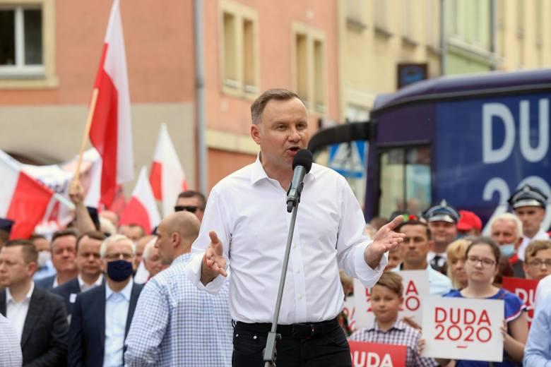 Najnowszy sondaż: Andrzej Duda traci przewagę. Rafał Trzaskowski już prawie pewny drugiej tury. Bosak lepszy od Kosiniaka-Kamysza