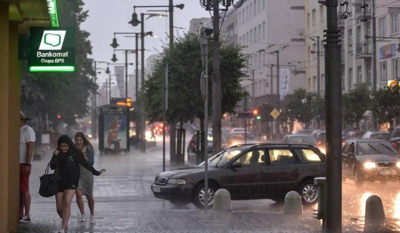 Przez internet poinformują w Gdyni o gwałtownych ulewach i wichurach