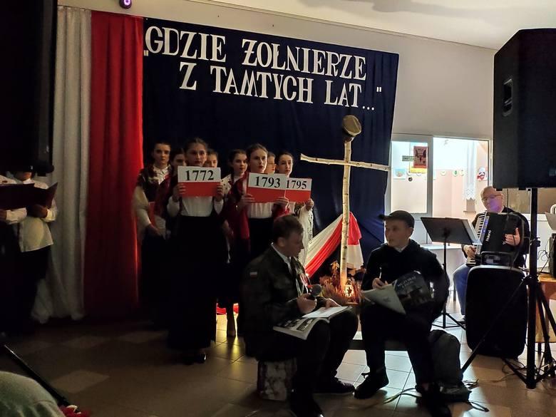 Zalas, gmina Łyse. Wyjątkowa uroczystość w Szkole Podstawowej w Zalasiu. 15.11.2019 [ZDJĘCIA]