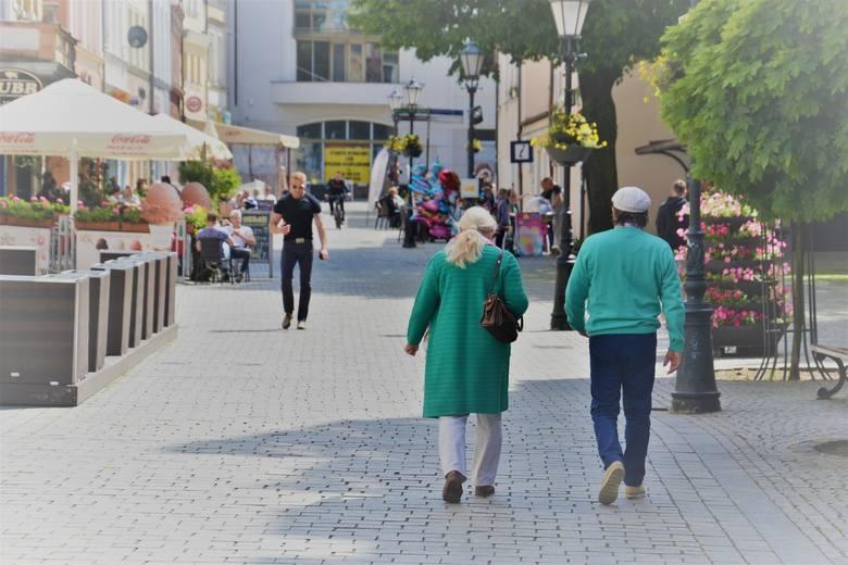 Główny Urząd Statystyczny opublikował dane dotyczące liczby mieszkańców Polski. Sprawdziliśmy, ile osób mieszka w lubuskich miastach. Na kolejnych slajdach