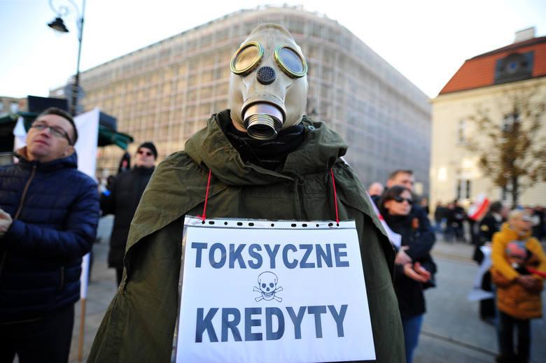 Frankowicze w Toruniu wygrali z bankiem sprawę o milion złotych! Wyrok sądu: