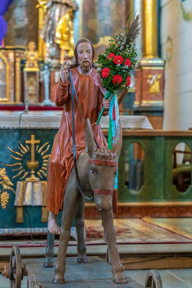 Nowy Sącz. Procesja z figurą Jezusa na Osiołku Palmowym w skansenie. Tak było [ZDJĘCIA]