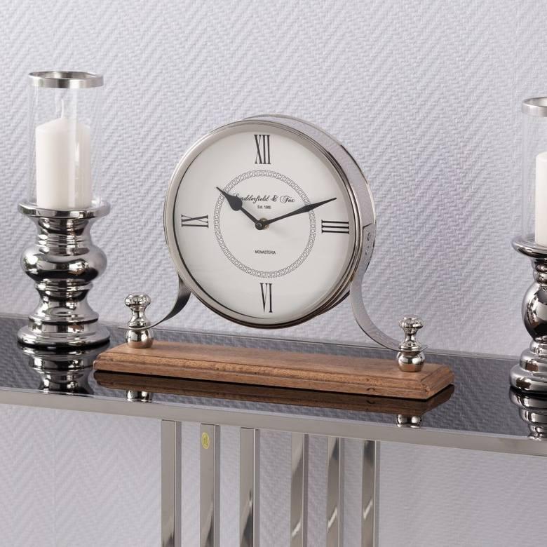Dla miłośnika tradycyjnego stylu - zegar z tarczą w stylu retro doskonale się sprawdzi jako prezent na Dzień Ojca.