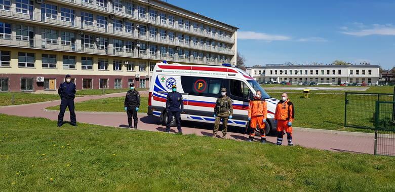 W spocie wzięli udział przedstawiciele Straży Miejskiej, Policji, KP Państwowej Straży Pożarnej, Straży Leśnej i Zespołów Ratownictwa Medycznego