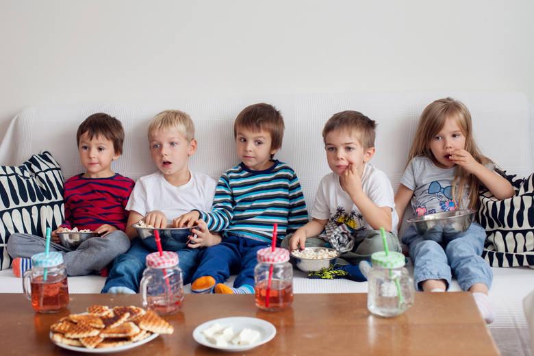 - Jak dziecko widzi w reklamie, skierowanej do niego, przekaz, że jakiś produkt jest najlepszy, to myśli, że rzeczywiście jest najlepszy.