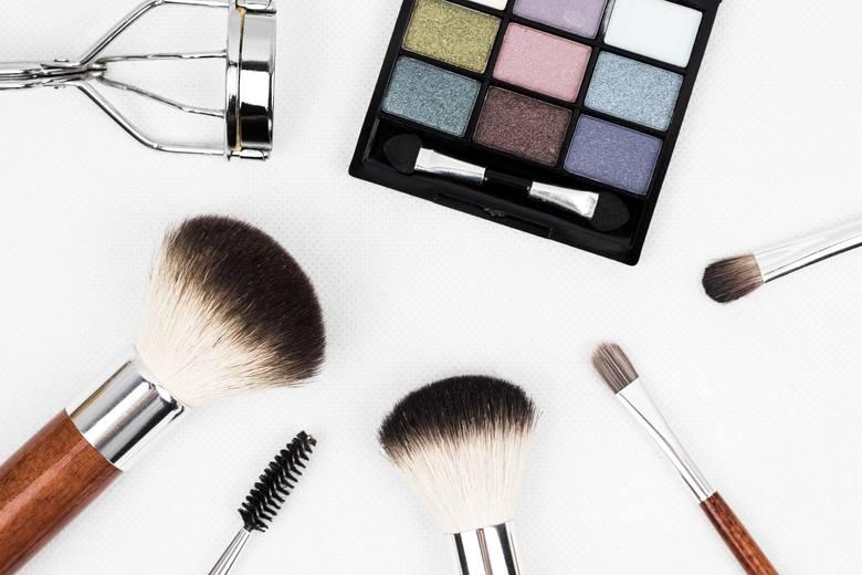 Podstawową kwestią związaną z profilaktyką infekcji brzegów powiek jest zapobieganie namnażaniu się nużeńca, który bytuje w mieszkach włosowych rzęs.